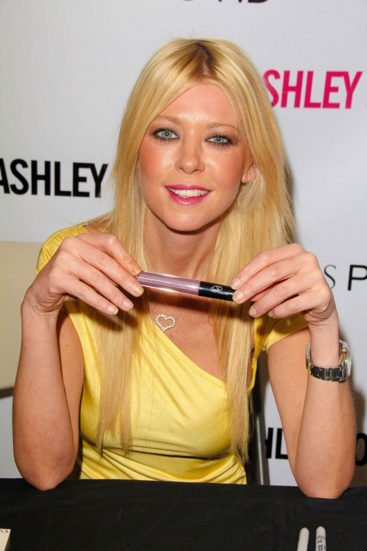 TARA REID at Starlooks Cosmetics Launch