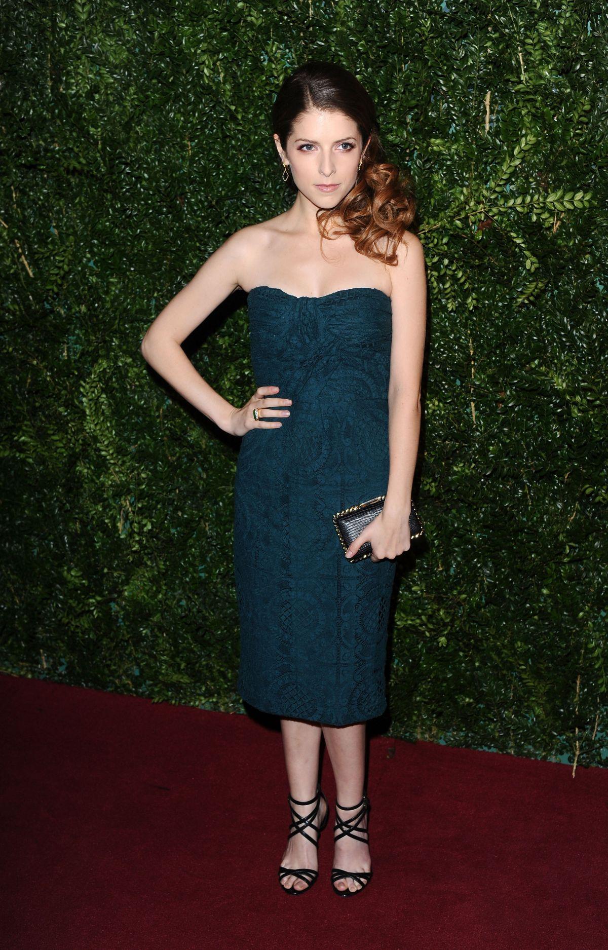 ANNA KENDRICK at 2014 London Evening Standard Theatre Awards