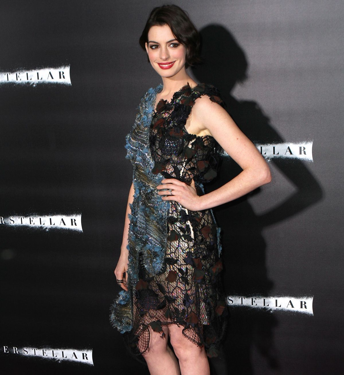 Anne Hathaway At The Hustle Premiere In Hollywood: ANNE HATHAWAY At Interstellar Premiere In New York