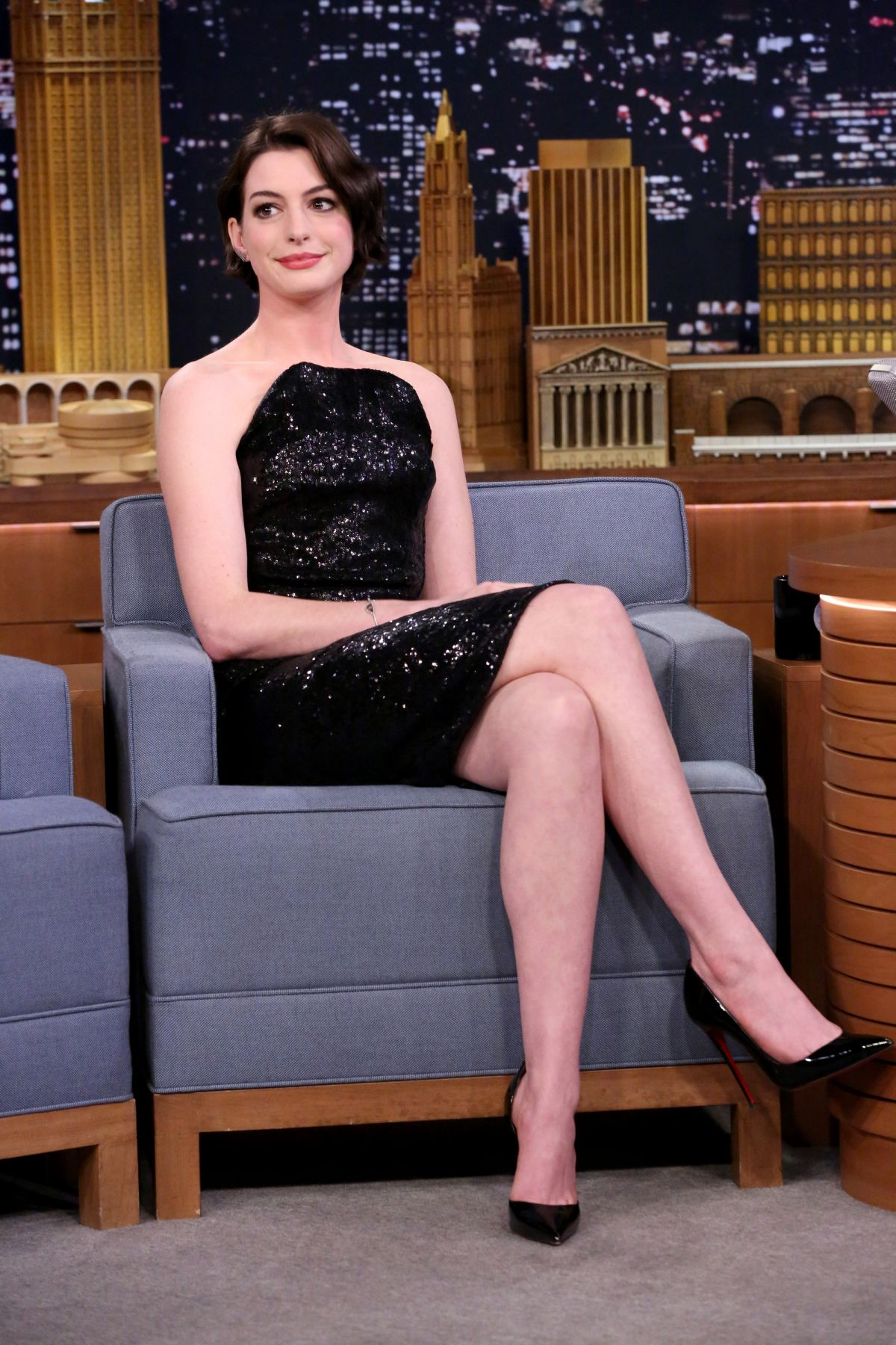 ANNE HATHAWAY at Tonight Show Starring Jimmy Fallon in Hollywood 0311