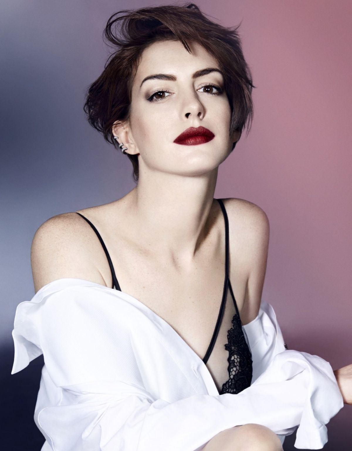 ANNE HATHAWAY in Elle Magazine, UK November 2014 issue - HawtCelebs ...