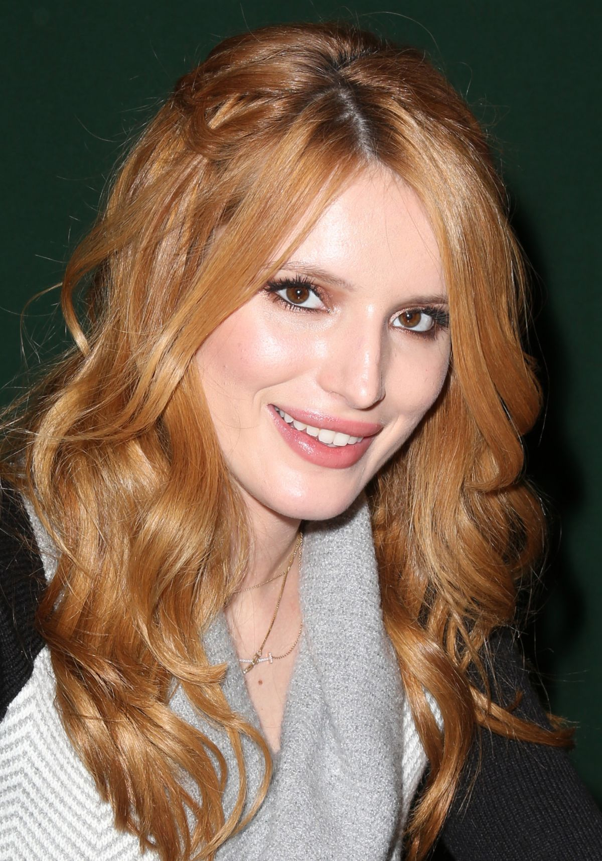 Bella thorne at autumn falls book signing at barnes amp noble in new
