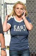 BRITNEY SPEARS Arrives at Vons Supermarket in Los Angeles