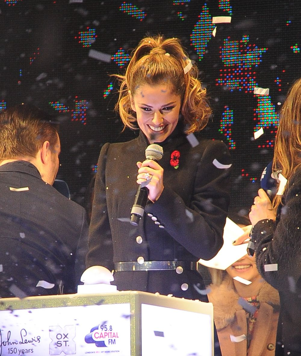 Oxford Street Xmas Light Turn On: CHERYL COLE Switches Oxford Street Christmas Lights In