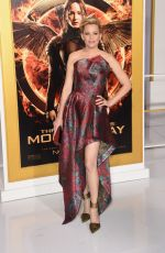 ELIZABETH BANKS at The Hunger Games: Mockingjay – Part 1 Premiere in Los Angeles