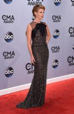 FAITH HILL at 2014 CMA Awards in Nashville