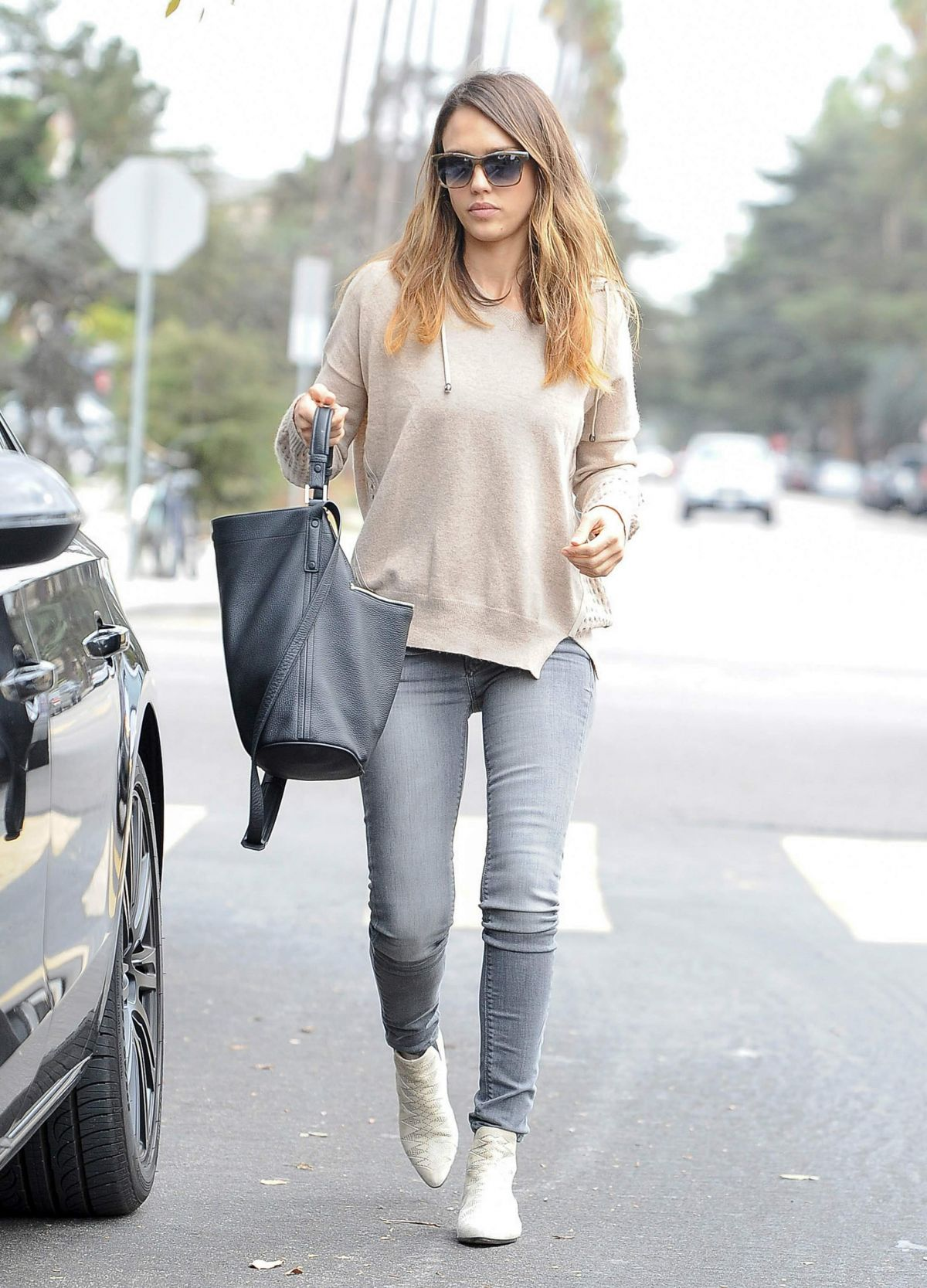 Jessica Alba Out And About In Santa Monica Hawtcelebs