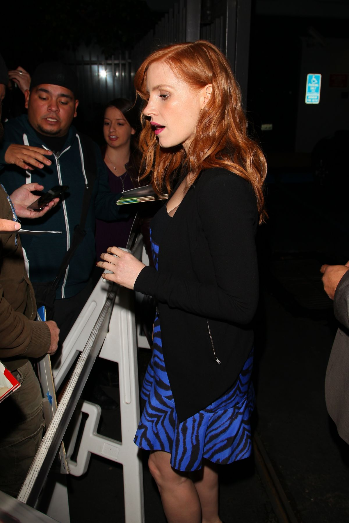 JESSICA CHASTAIN Posing with Fans at LAX Airport