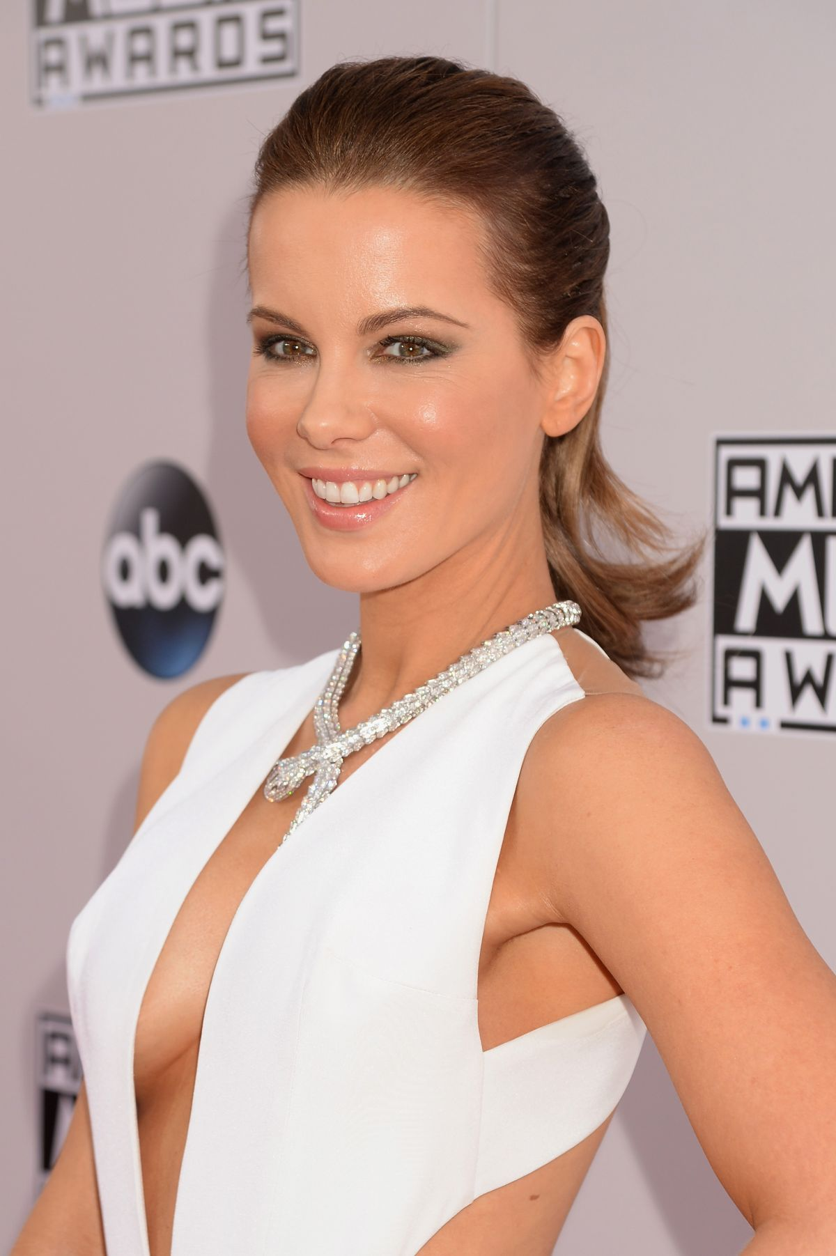kate beckinsale at 2014 american music awards in los