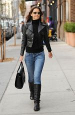 KATIE HOLMES in Tight Jeans Out in New York 1211