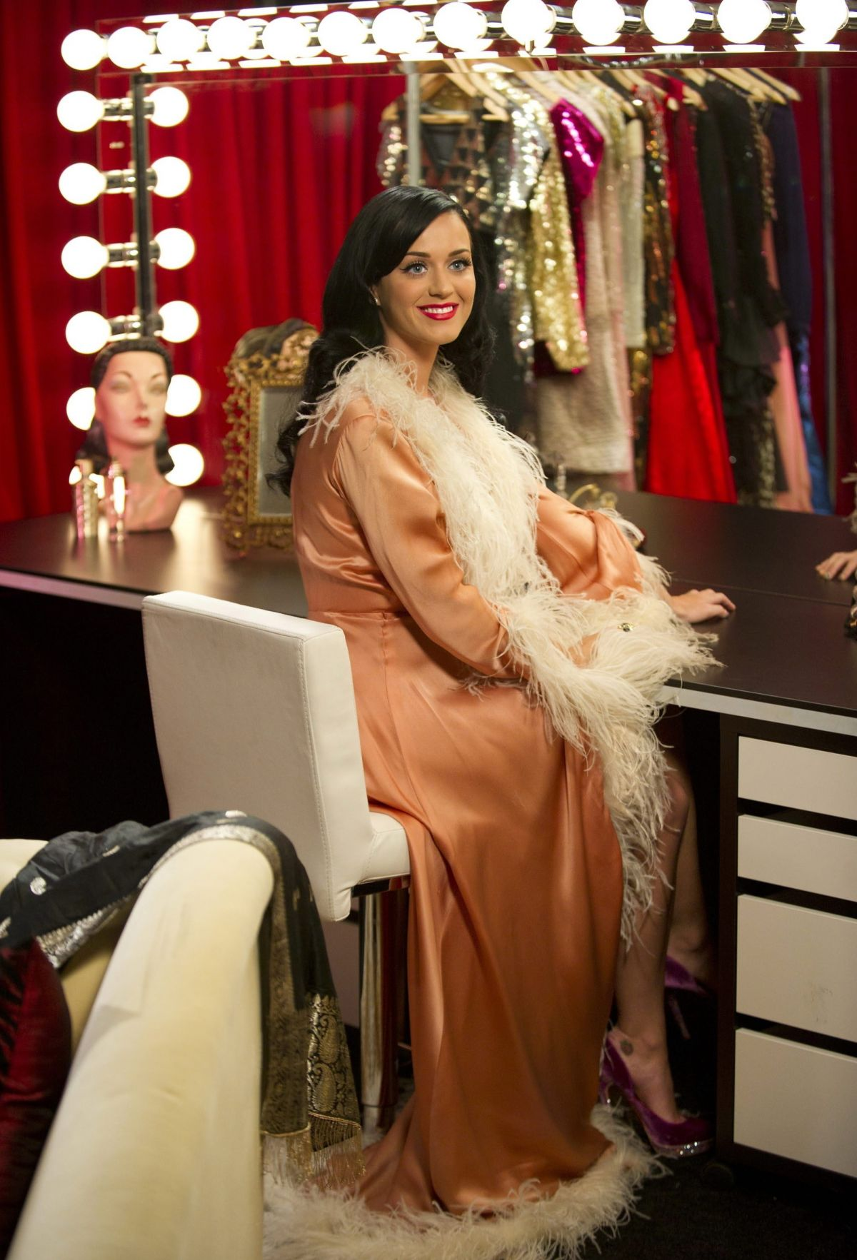 KATY PERRY in Dressing Room at Victoria Secret Backstage - HawtCelebs