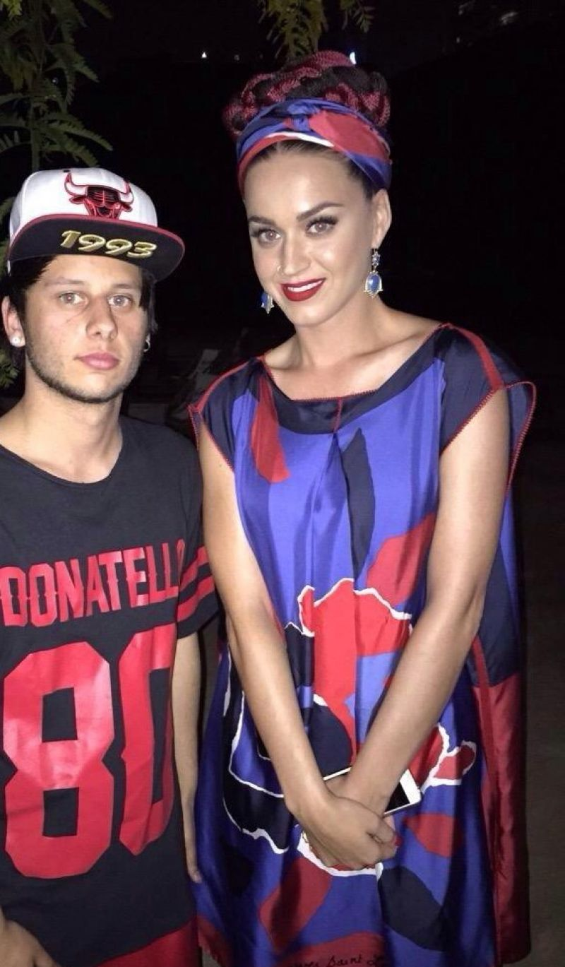 KATY PERRY with Fans at Malthouse Theater