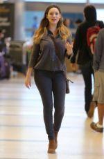 KELLY BROOK Arrives at Los Angeles International Airport 1511