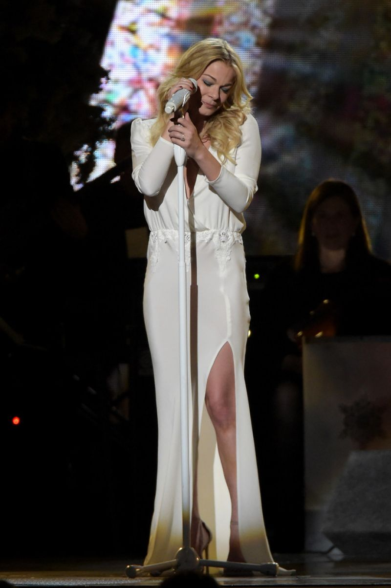 LEANN RIMES Performs at 2014 CMA Country Christmas in Nashville - HawtCelebs