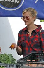 REESE WITHERSPOON at a Farmers Market in Los Angeles