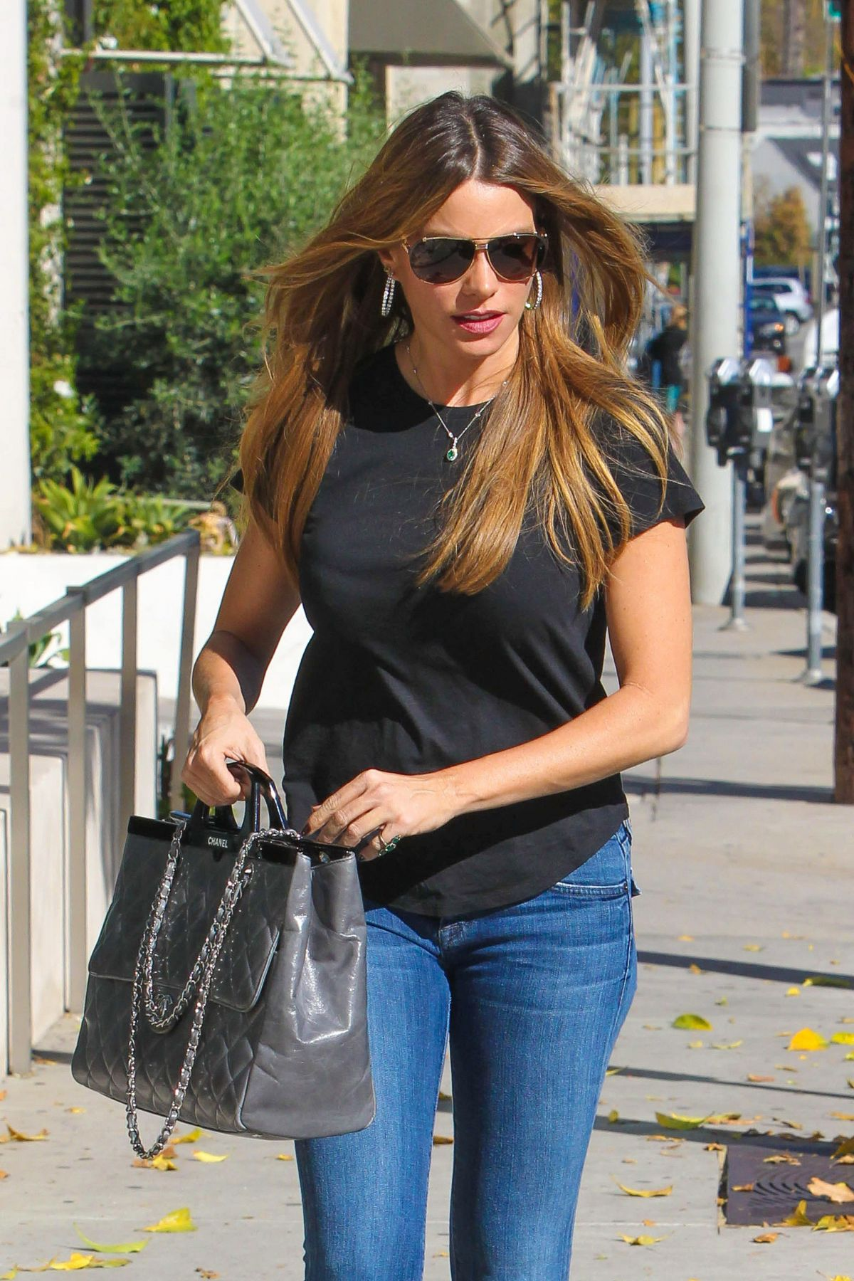 SOFIA VERGARA in Jeans Shopping in Beverly Hills - HawtCelebs ...