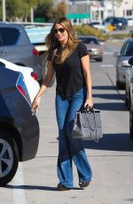 SOFIA VERGARA in Jeans Shopping in Beverly Hills 0711