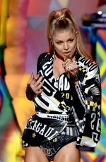 STACY FERGIE FERGUSON Performs at 2014 American Music Awards in Los Angeles