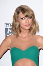 TALOR SWIFT at 2014 American Music Awards in Los Angeles