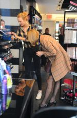 TAYLOR SWIFT Out Shopping in New York 1211
