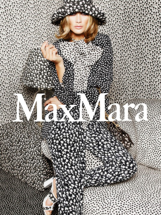 CAROLYN MURPHY for Max Mara Spring/Summer 2015