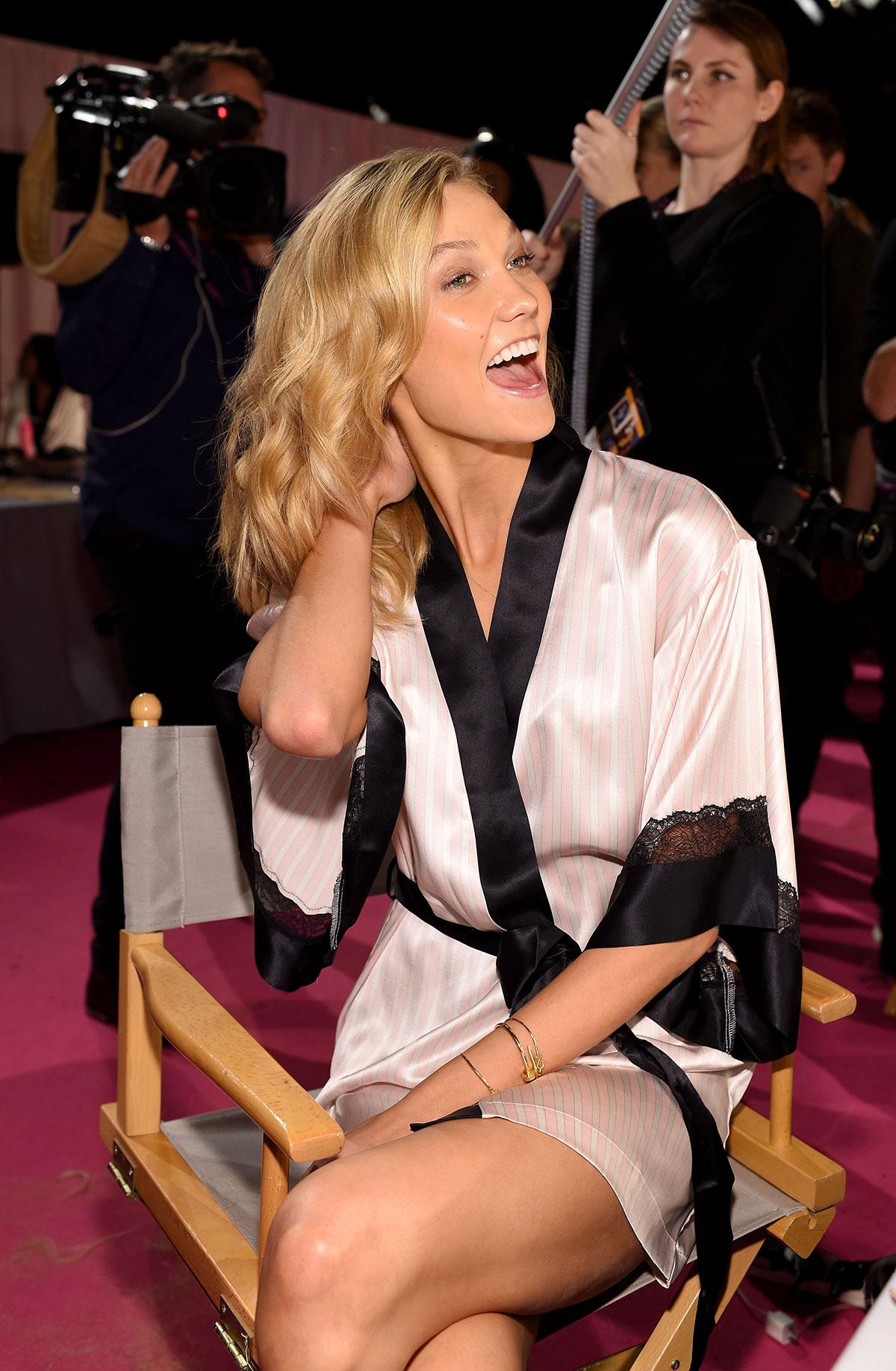 e3256f1c9f1 KARLIE KLOSS on the Backstage of 2014 Victoria s Secret Fashion Show ...