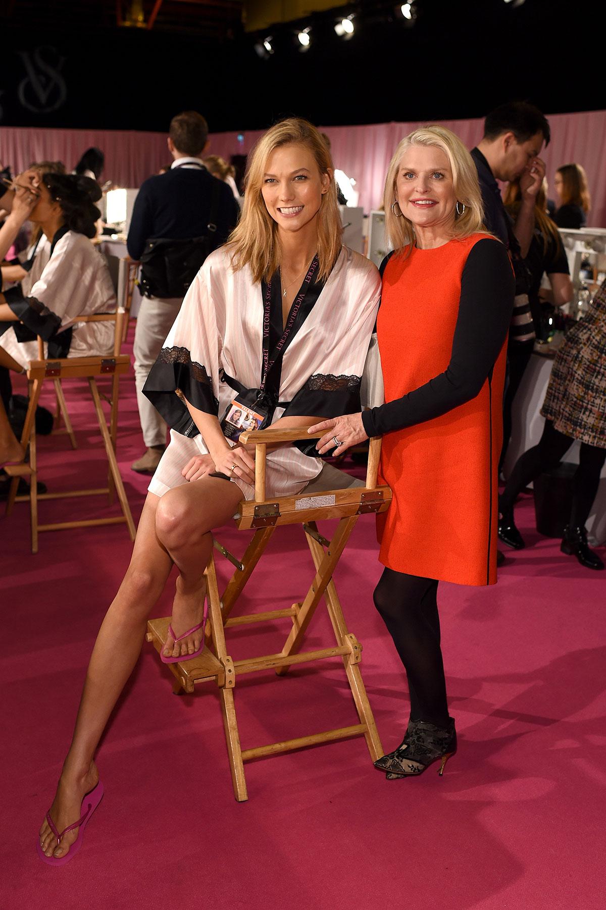 Karlie Kloss On The Backstage Of 2014 Victoria S Secret