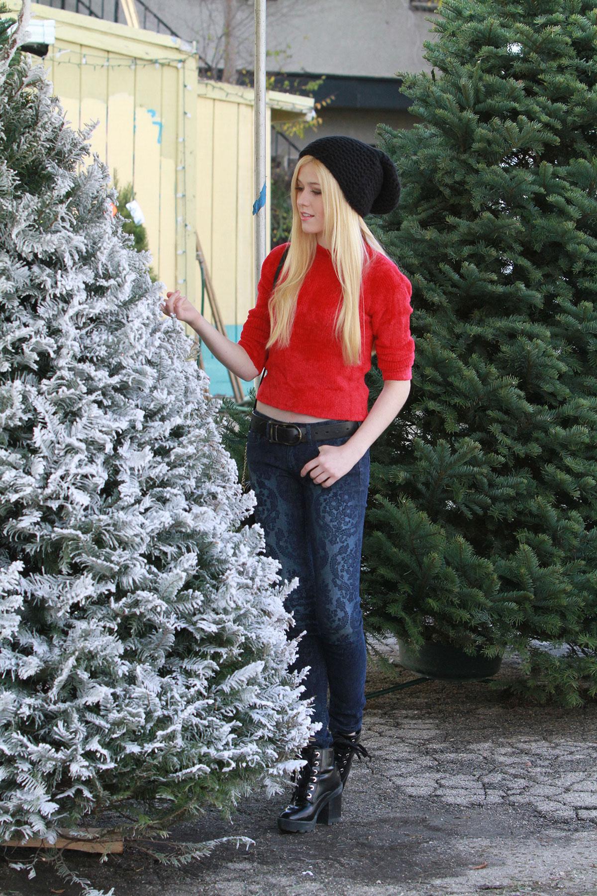 katherine mcnamara shopping a christmas tree in los angeles - Christmas Tree Shopping