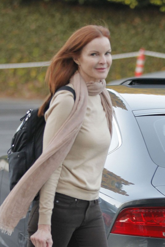 MARCIA CROSS Out in Brentwood