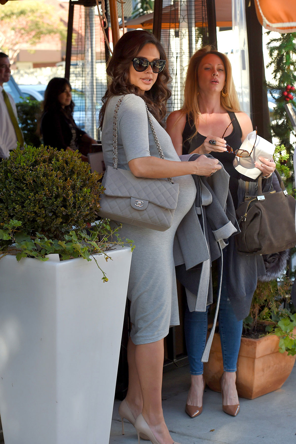 Pregnant Vanessa Lachey At Via Alloro Hawtcelebs