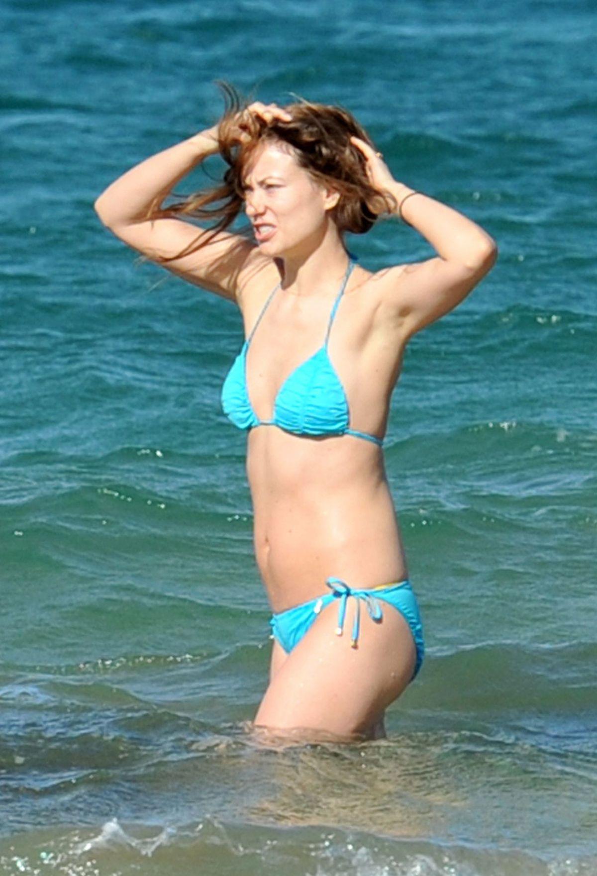 OLIVIA WILDE in Bikini at a Beach in Maui – HawtCelebs оливия уайлд