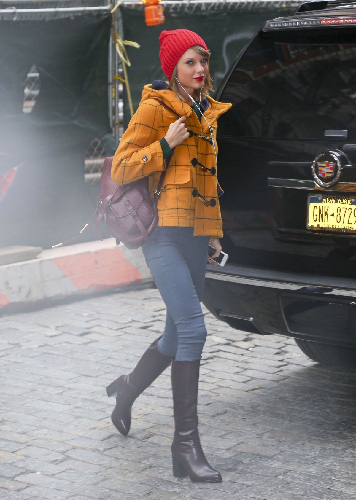 Taylor Swift Leaves Her Appartment In New York Hawtcelebs