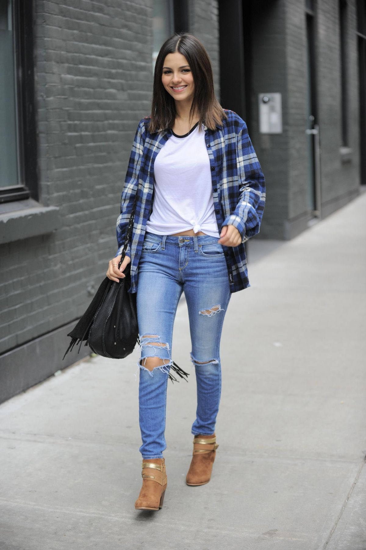 Victoria Justice In Jeans Out And About In New York Hawtcelebs Hawtcelebs