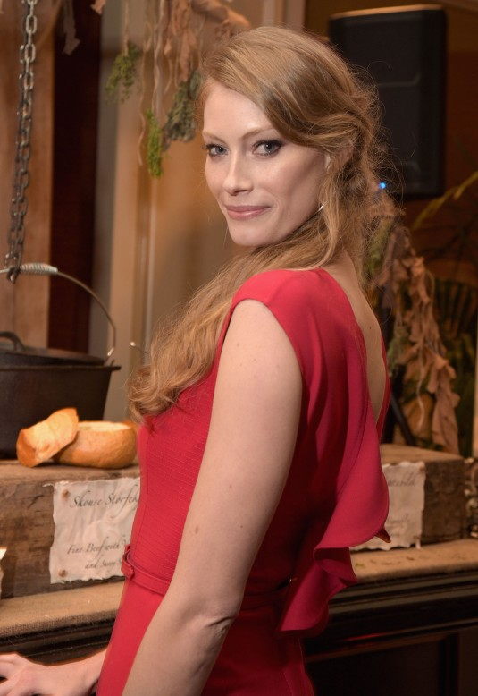 ALYSSA SUTHERLAND at Vikings TCA Party