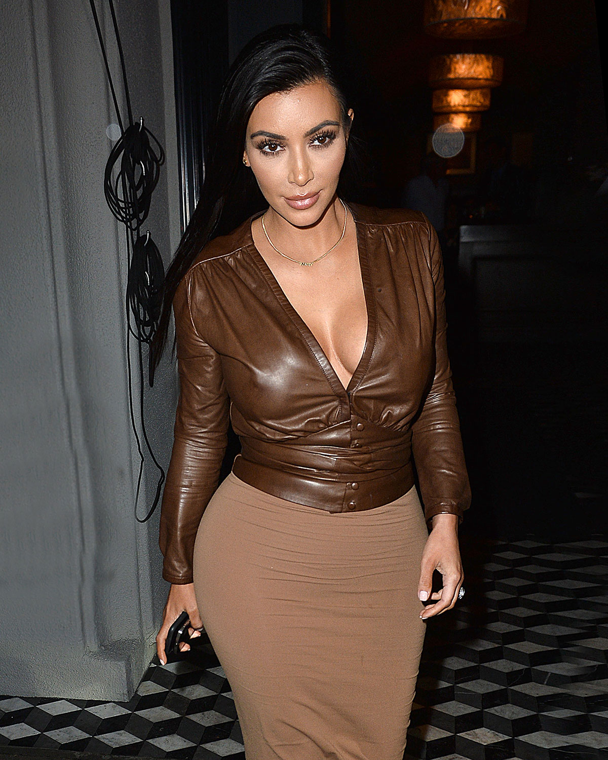 KIM KARDASHIAN Leaves Craig's Restaurant in West Hollywood ...