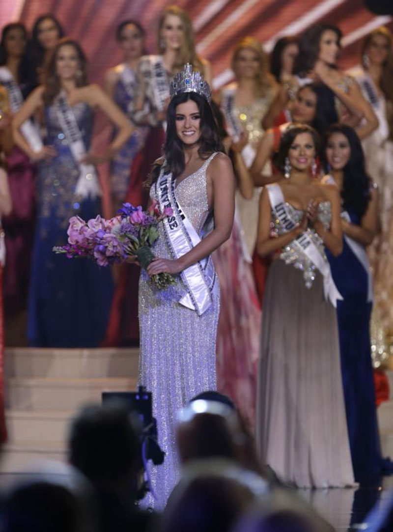 Miss Colombia Paulina Vega Crowned Miss Universe In Miami