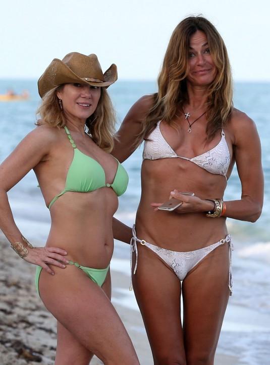RAMONA SINGER And KELLY BENSIMON in Bikinis