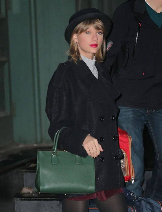 TAYLOR SWIFT Leaving Her Apartment