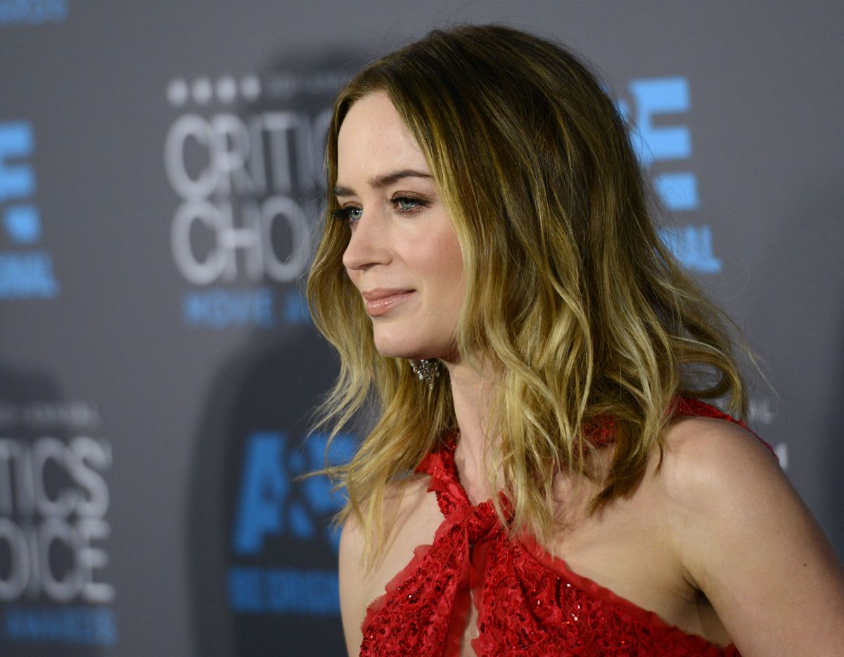 EMILY BLUNT at 2015 Cr...
