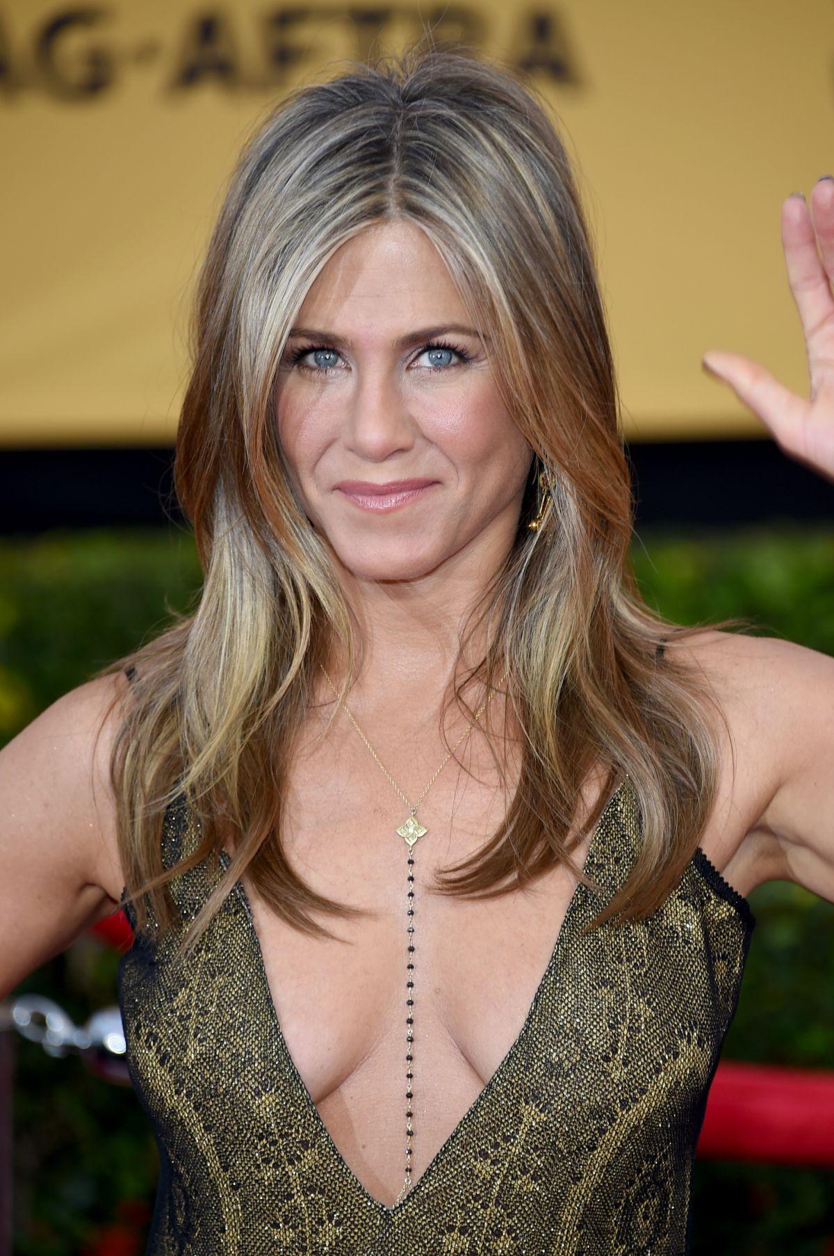 JENNIFER ANISTON at 2015 Screen Actor Guild Awards in Los ... Jennifer Aniston