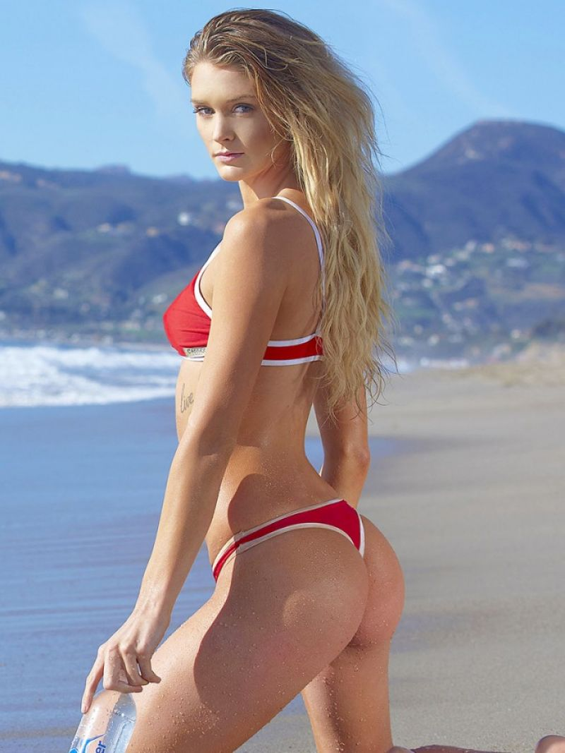 Kayla Lewis Nude Photos 25