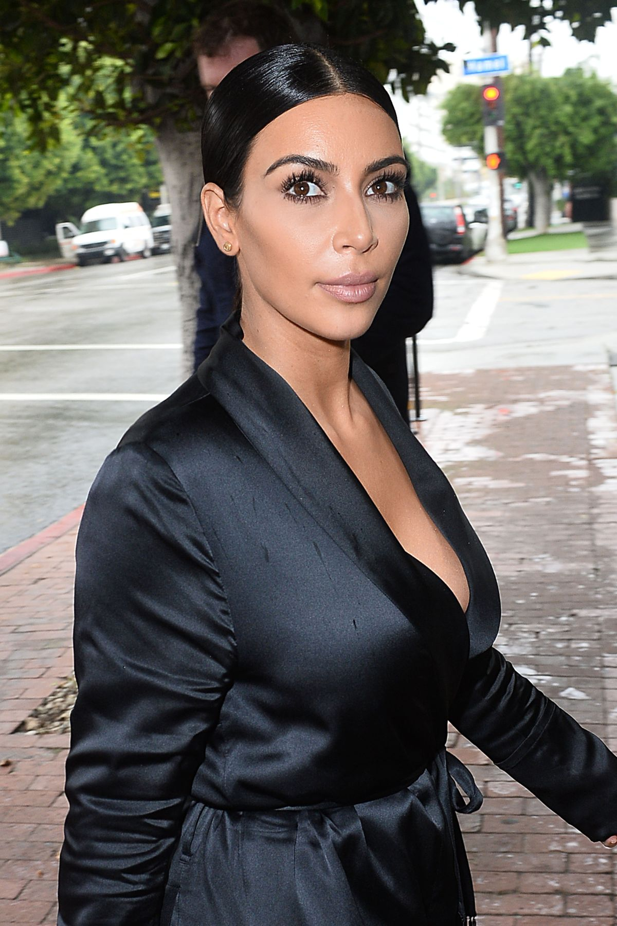 kim kardashian Kim kardashian says that she's trying to get twitter ceo jack dorsey to give users the ability to edit tweets as it is, if you want to fix a typo in a tweet or.