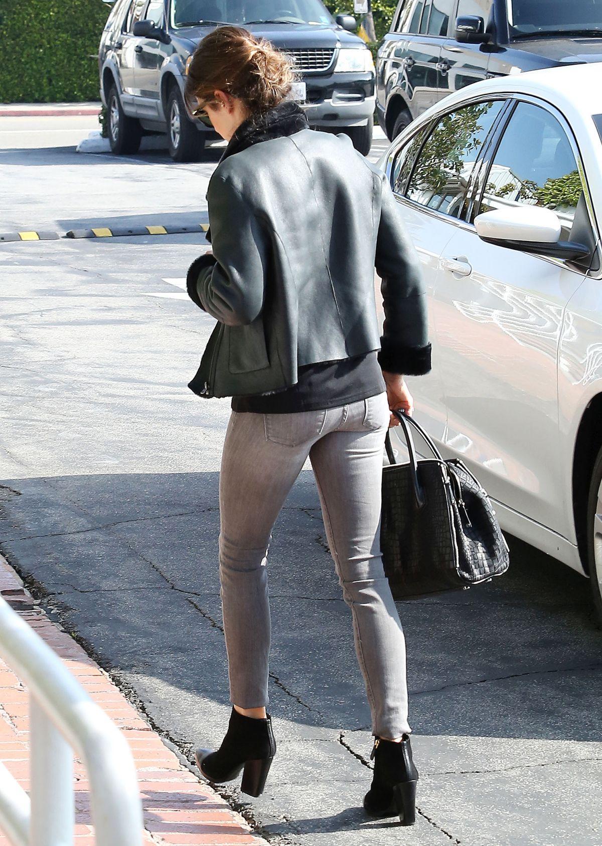 NIKKI REED in Tight Je... Jennifer Lopez