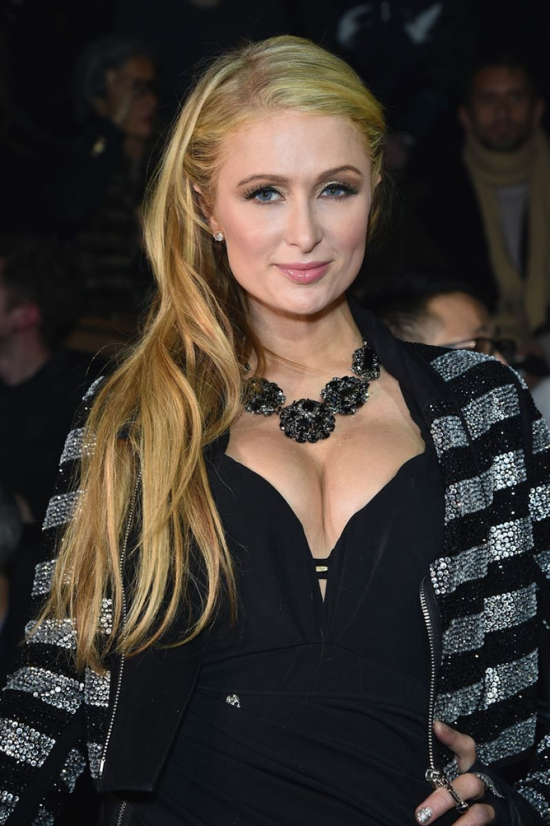 PARIS HILTON at Philipp Plein Fashion Show in Milan - HawtCelebs ... Paris Hilton