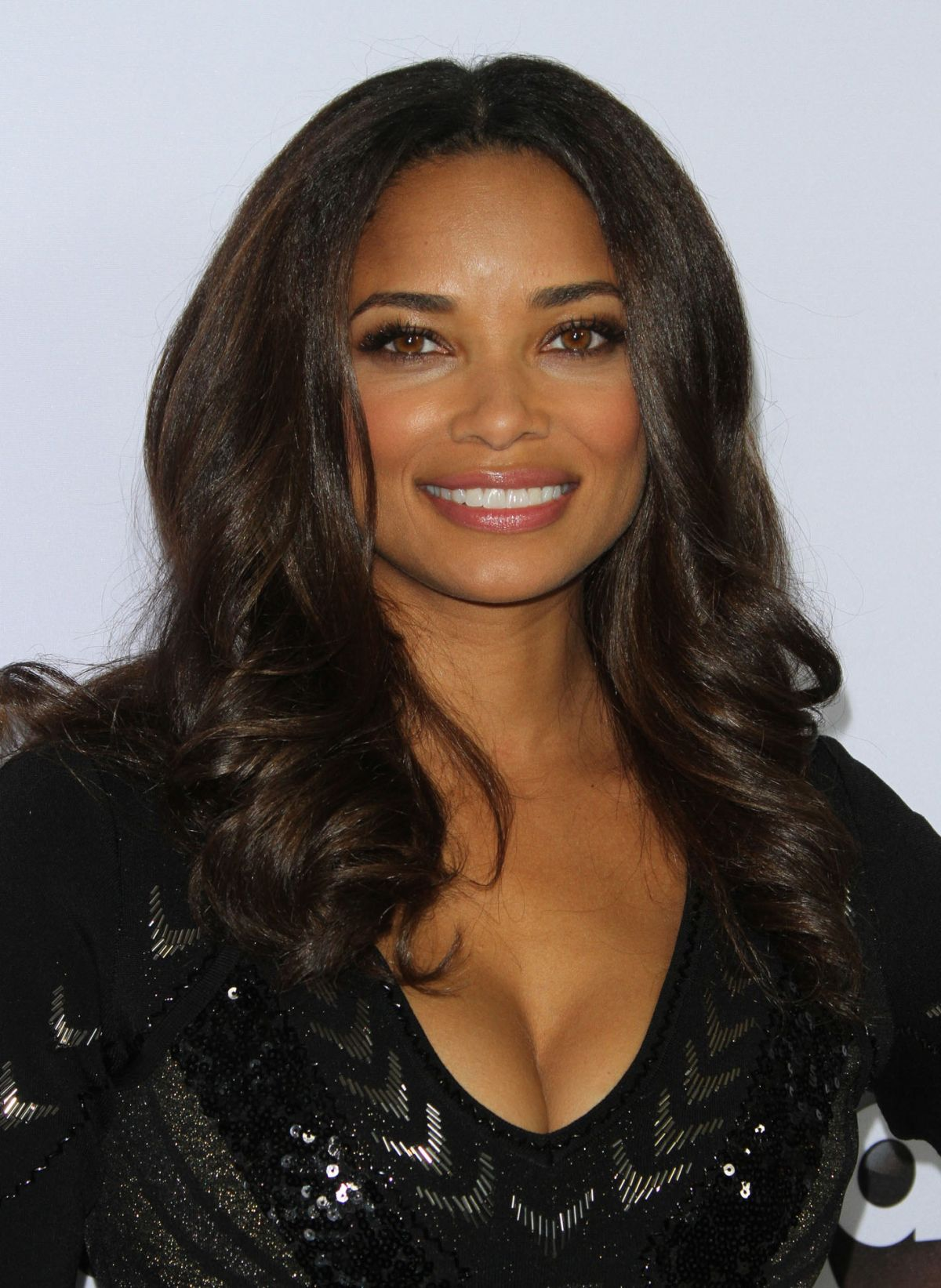 Rochelle aytes 2018 hair eyes feet legs style weight no tips rochelle aytes 2018s alternative hair style of the confident conceited actress voltagebd Images