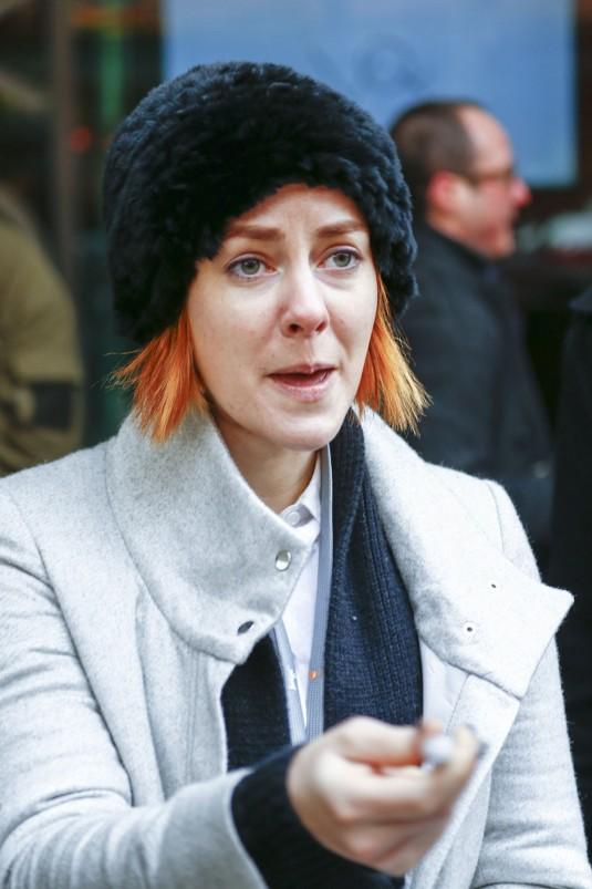 JENA MALONE Out in Berlin