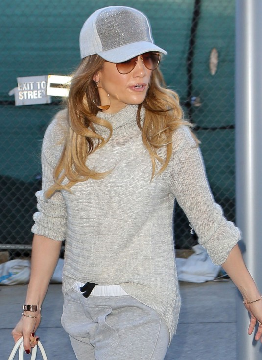 JENNIFER LOPEZ Arrives at LAX Airport