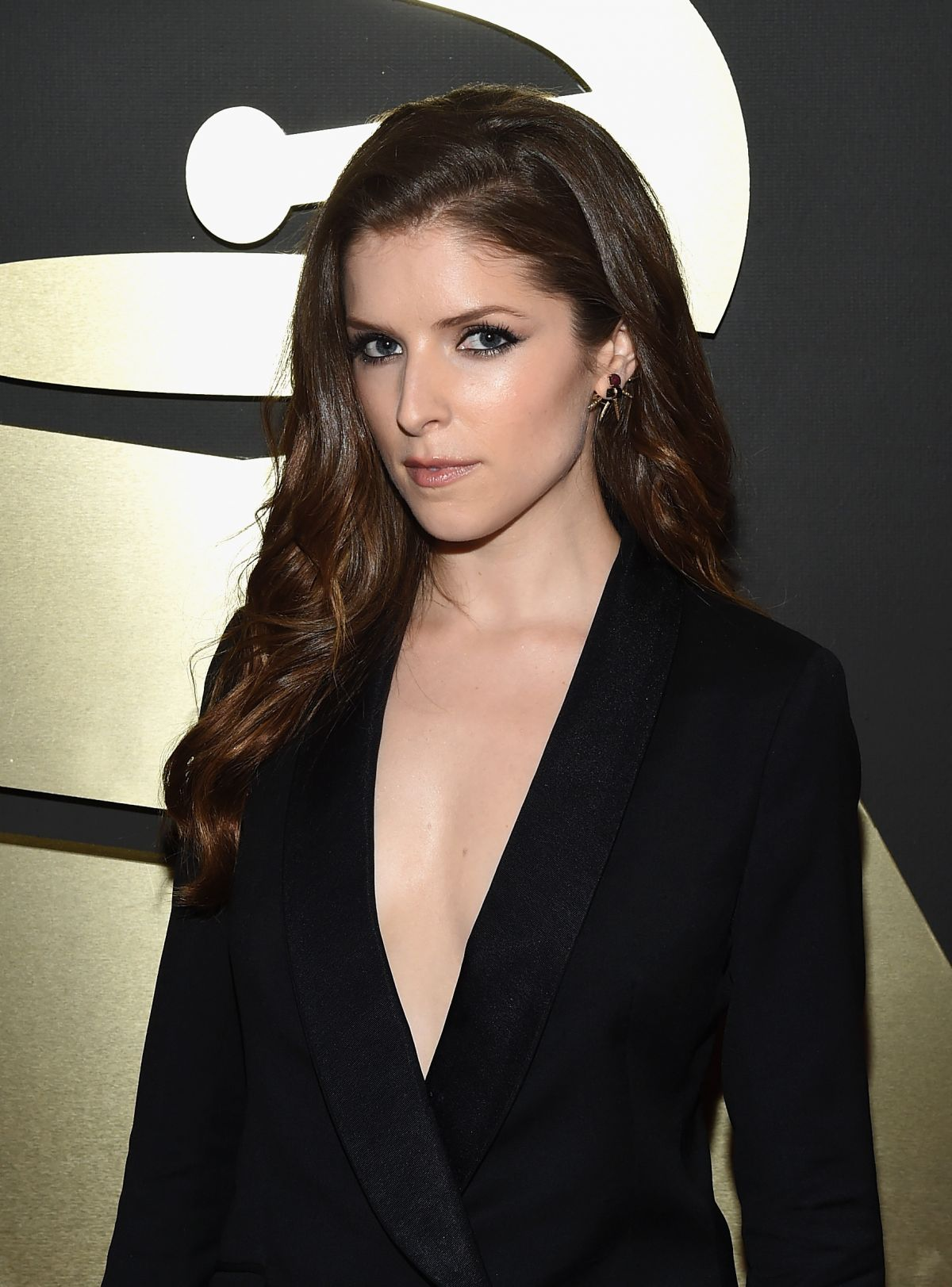 ANNA KENDRICK at 2015 Grammy Awards in Los Angeles - HawtCelebs ...