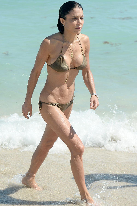 Bethenny Frankel in Bikini on the beach in Miami 2 Pic 1 of 35