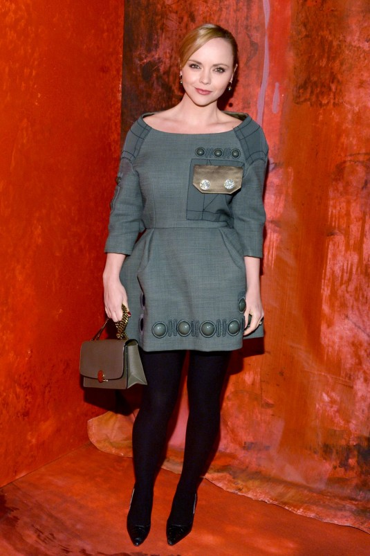 christina-ricci-at-marc-jacobs-fashion-show-in-new-york_1